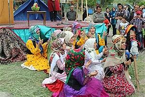 تصویر  اجرای ۲۵ برنامه با محوریت صنایع دستی در همدان