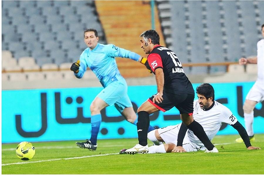 استقلال و پرسپولیس دیر یا زود به هم میخوردند/ تیم ملی فوتبال همیشه برابر عراقیها مشکل دارد