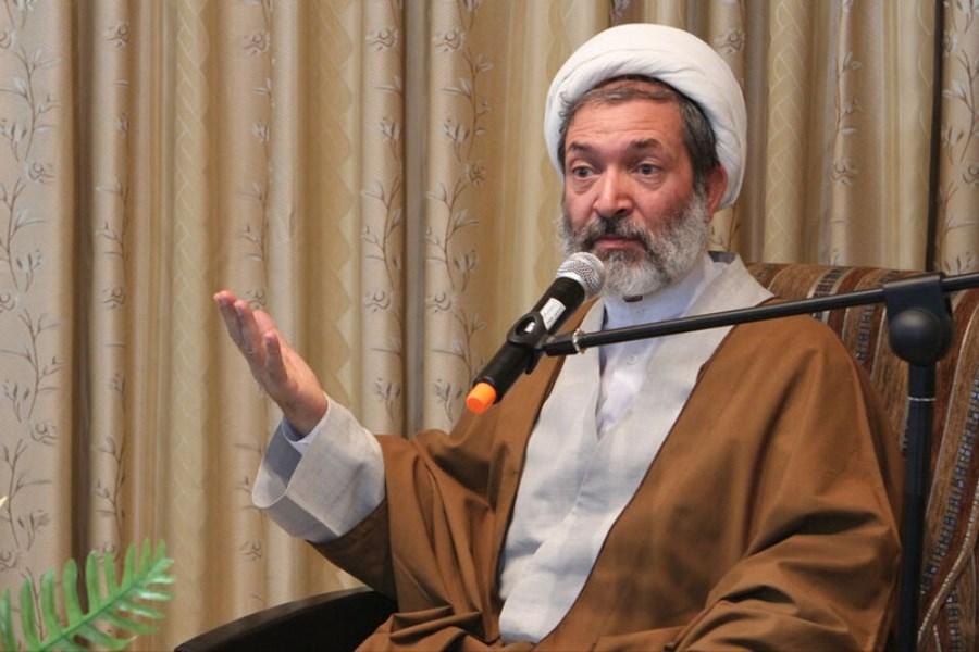 ایرانیان فردی را انتخاب کنند که مُهر ذلت آمریکا را برای سعادت ملت لازم نداند