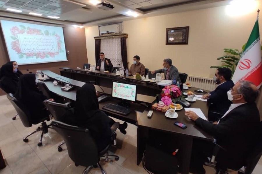 بازید معاون توسعه سرمایه انسانی از شعب استان یزد بانک ایران زمین