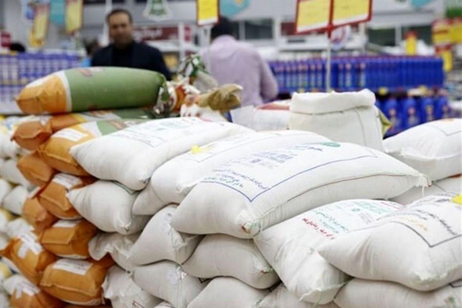 برنج دولتی برای کنترل بازار درحال توزیع است