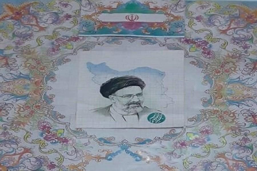 بافت تابلو فرش از چهره رییس جمهور منتخب ایران توسط هنرمند فرش باف اهل خوی