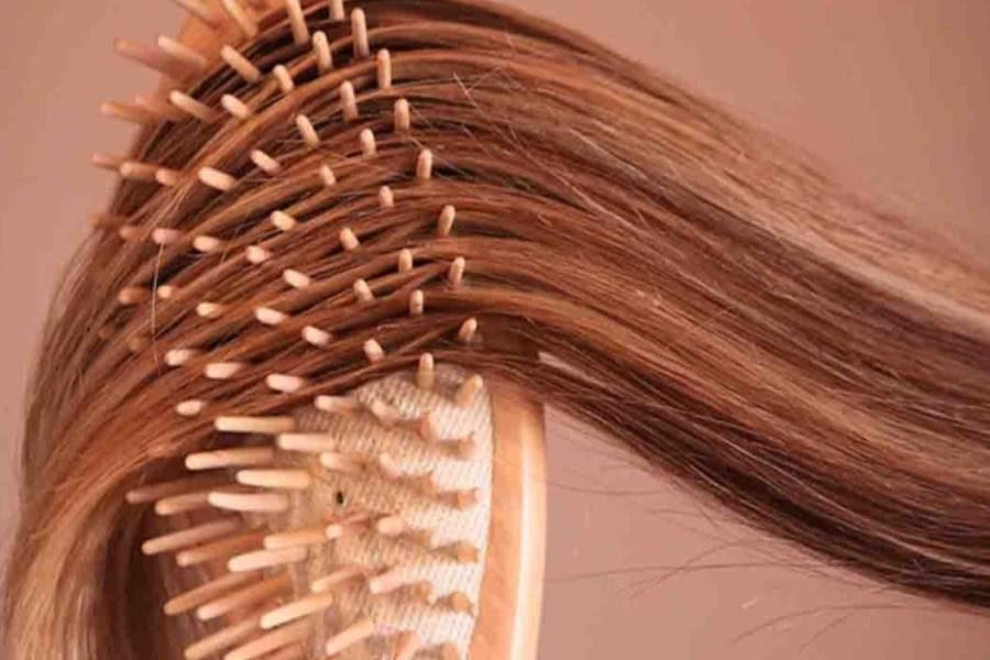 تصویر موهایی بلند و سالم با مصرف ۸ ماده غذایی