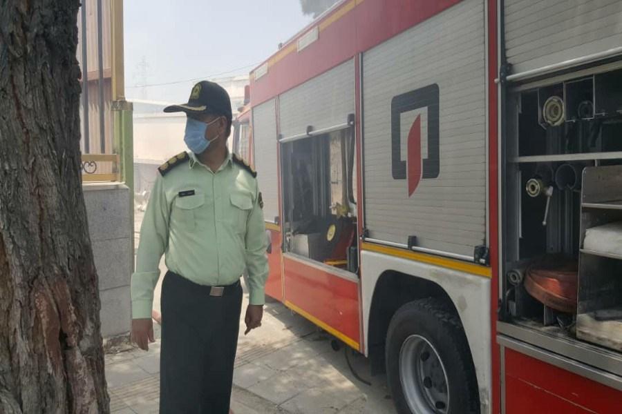 مهار آتش سوزی در منطقه ۱۳ آبان شهرری