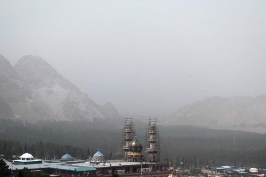 هشدار محیط زیست نسبت به کاهش کیفیت هوای قم در اثر وجود ریزگرد