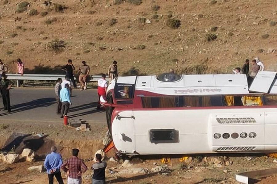 بازدید کمیسیون عمران از محل حوادث رخ داده برای خبرنگاران و سربازمعلمان