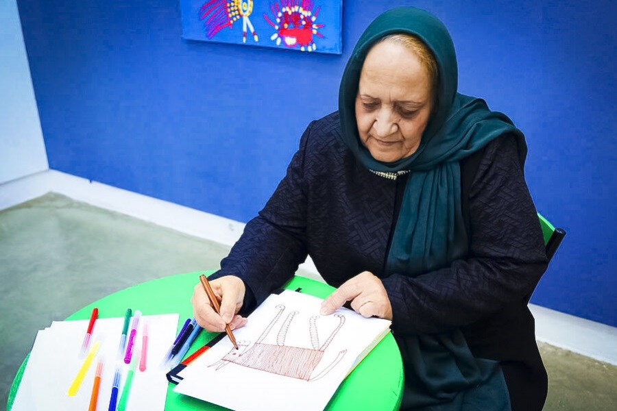نمایشگاه نقاشی های مادربزرگ