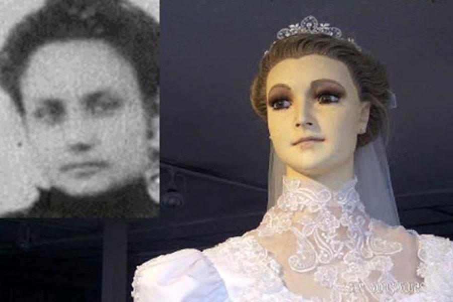 تصاویر دیدنی از عروس مومیایی زن در پشت ویترین