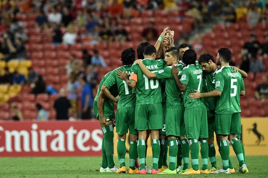 تصویر تعدادی از بازیکنان تیم ملی عراق کنار گذاشته می شوند