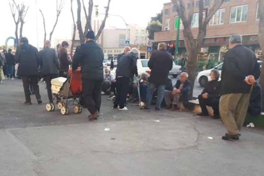بازار داغ خرید و فروش کالاهای دست دوم / جولان معتادان متجاهر در میدان شوش