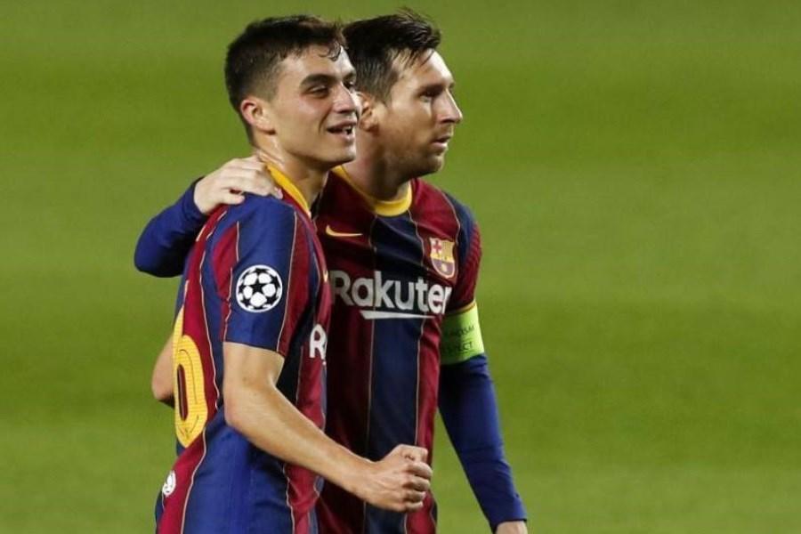 پدری با بارسلونا تمدید کرد