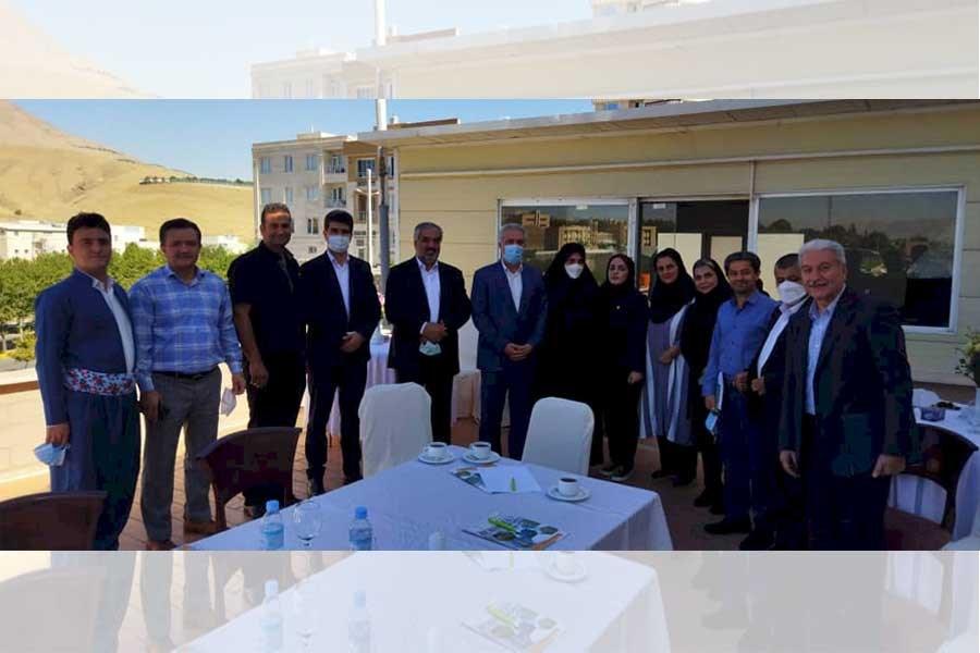 نشست مونسان با فعالان بخش خصوصی گردشگری کردستان