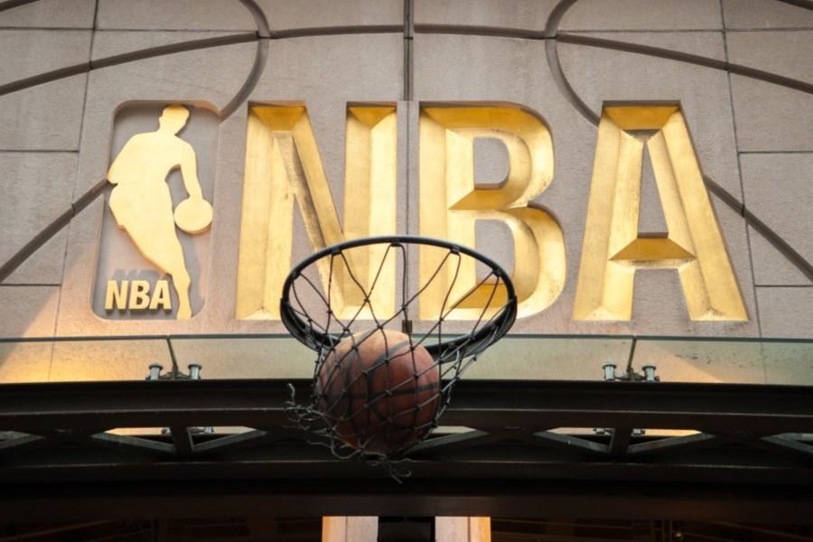 لوگوی جدید NBA همچنان با جری وست