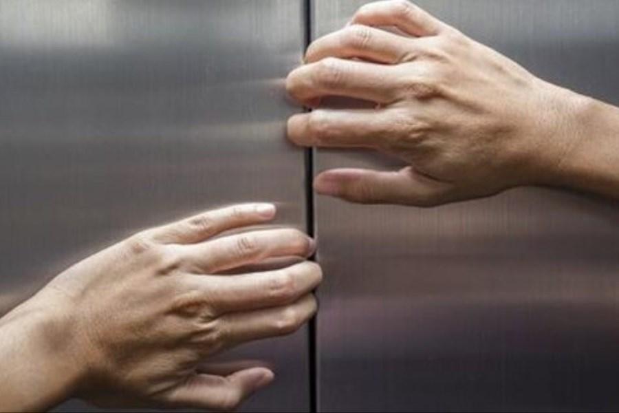 زمان گیر افتادن در آسانسور به هنگام قطعی برق چه کنیم؟