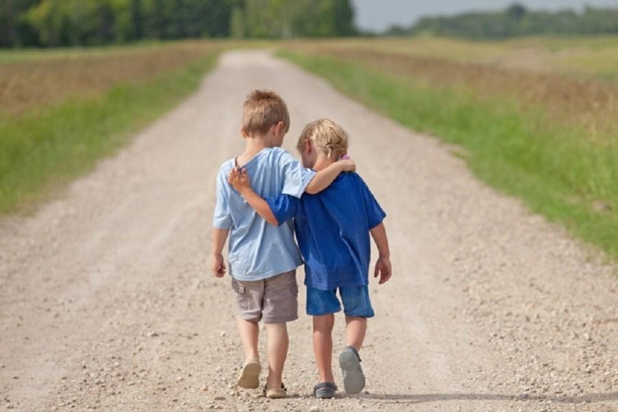 همدلی با دیگران تا چه حد لازم است؟