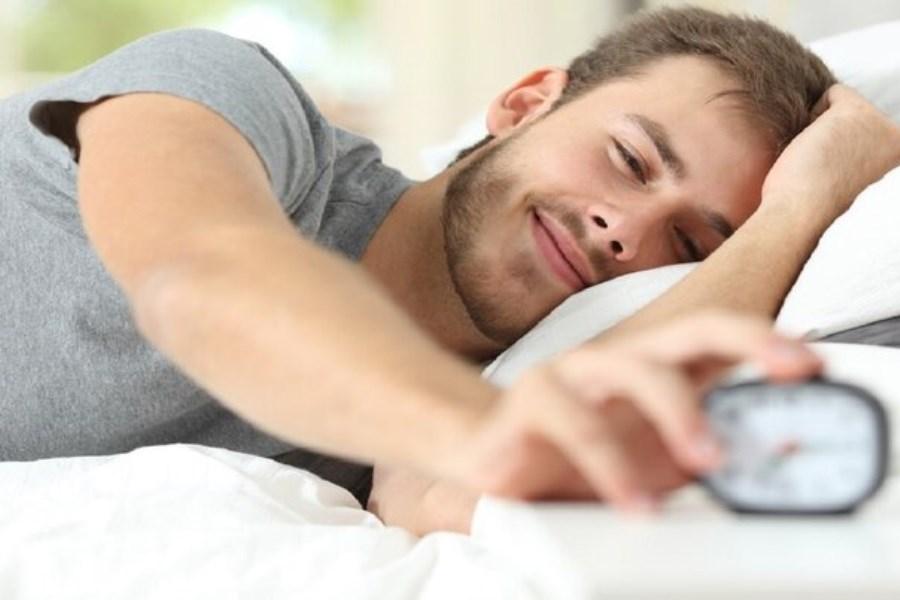 زودتر خوابیدن سبب شادی میشود