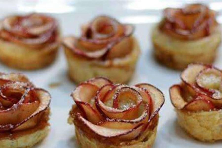 دسر سیب به شکل گل رز