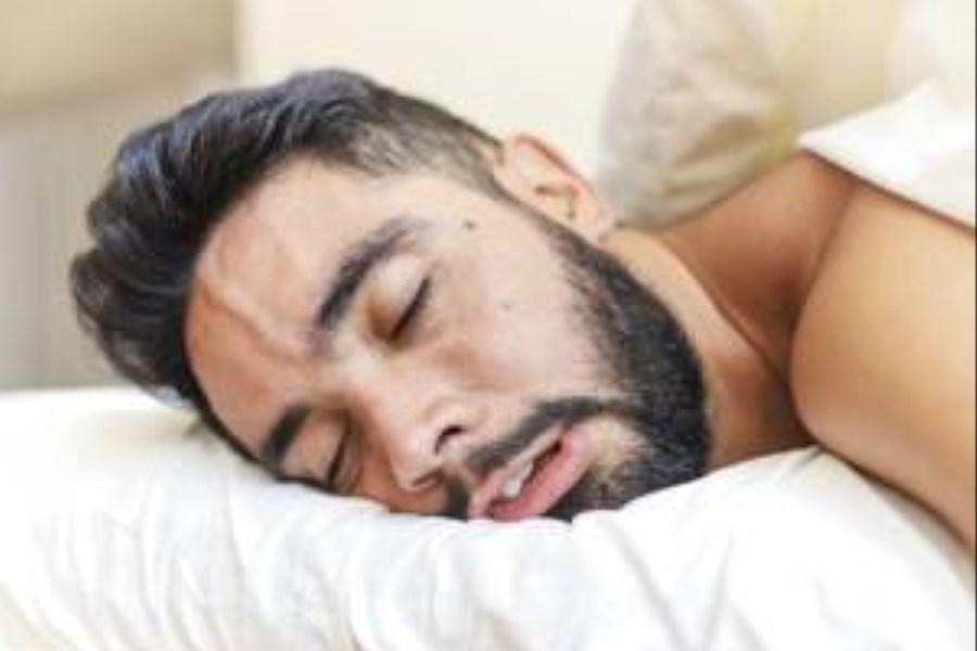 علل و خطراتخوابیدن با دهان باز