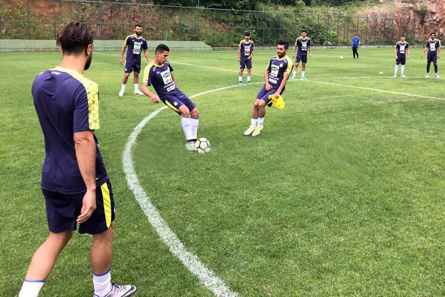 شرایط استقلال با اعتصاب بازیکنان و سفر فرهاد به امارات
