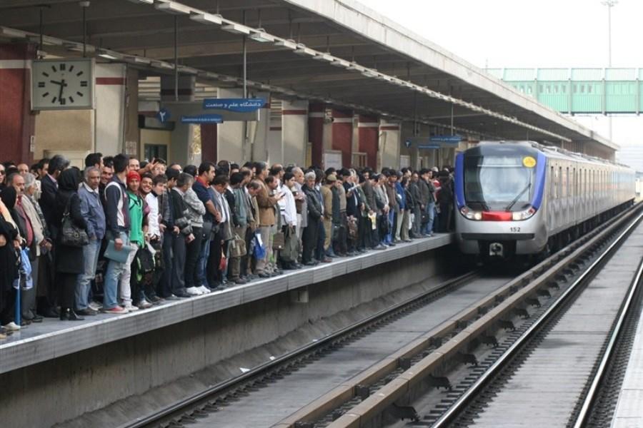 تصویر ازدحام مسافران در مترو