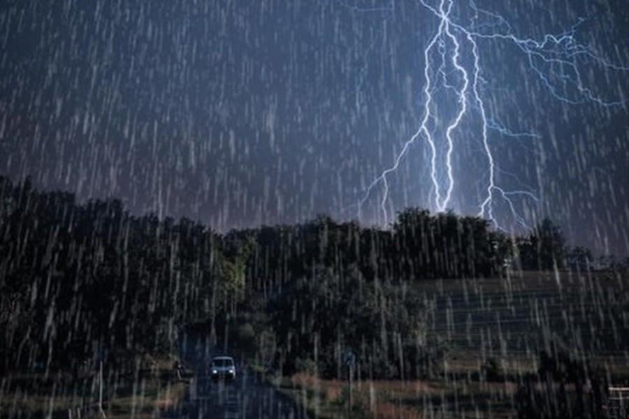 تصویر بارش پراکنده در شش استان