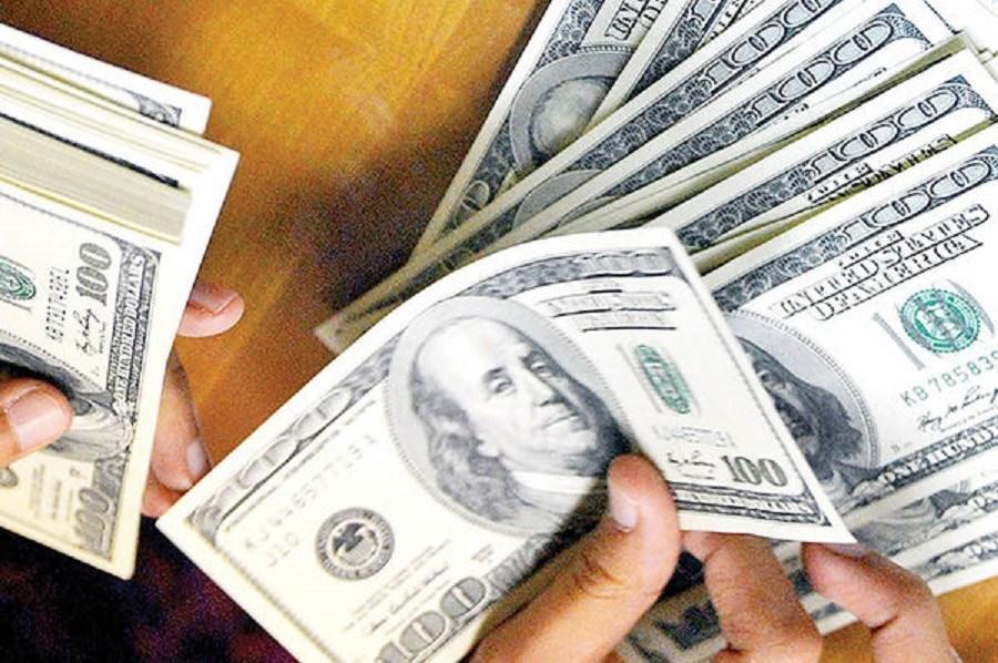 تصویر ارزش دلار مقابل بیشتر ارزها افت کرد