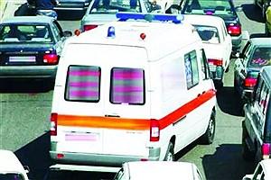 تصویر  معضل مهم رانندگان آمبولانسهای اورژانس تردد در معابر دارای ترافیک است