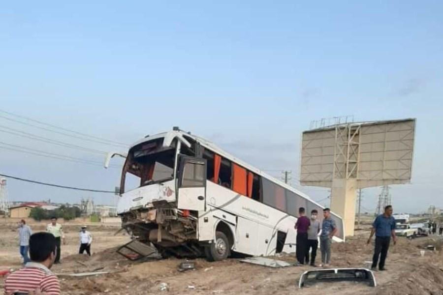 یک کشته و سه مجروح، نتیجه تصادف اتوبوس و پراید در جاده جندق-دامغان