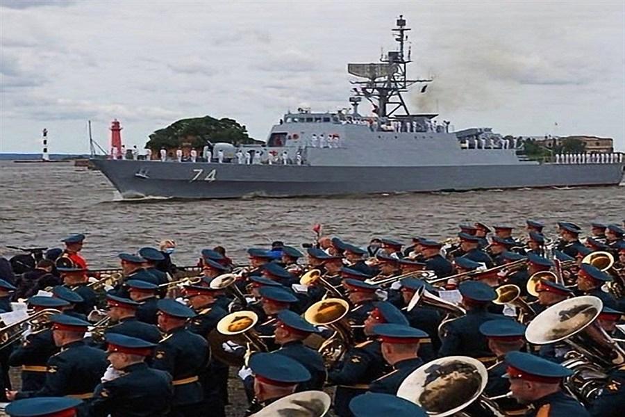 حضور ناوگان دریایی ایران در رژه دریایی روسیه خط و نشانی برای دشمنان است