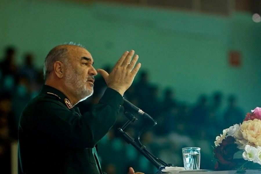 بسیج، تعیین کنندهترین نیروی امام و امت و نظام اسلامی است