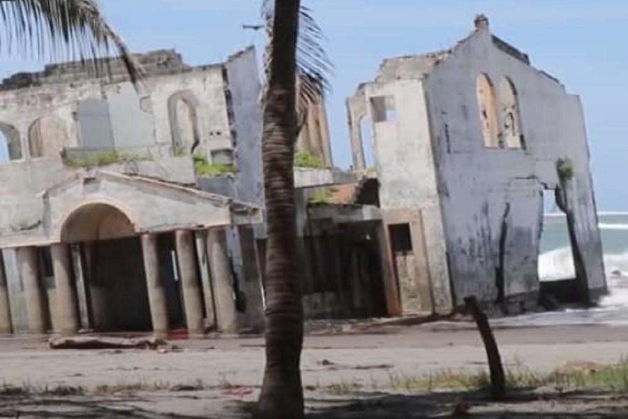 ویلای مرموز ساحلی که گردشگران به آن علاقمند هستند