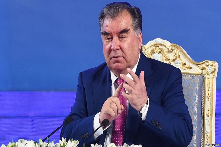 گوش مالی خواهرزادههای رئیس جمهور تاجیکستان به وزیر بهداشت!