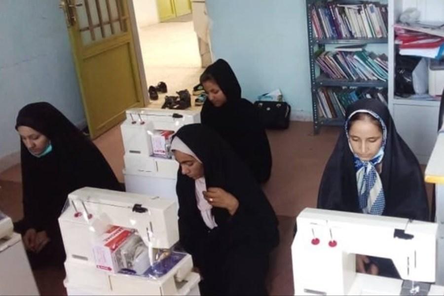 اشتغال زایی برای 11 خانواده نیازمند توسط بانوی کرمانی