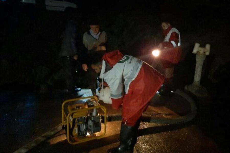 امدادرسانی به حادثه دیدگان سیل در مشگین شهر اردبیل
