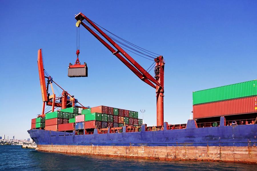 تصویر صادرات 210 میلیون دلاری کالا از گمرکات گیلان