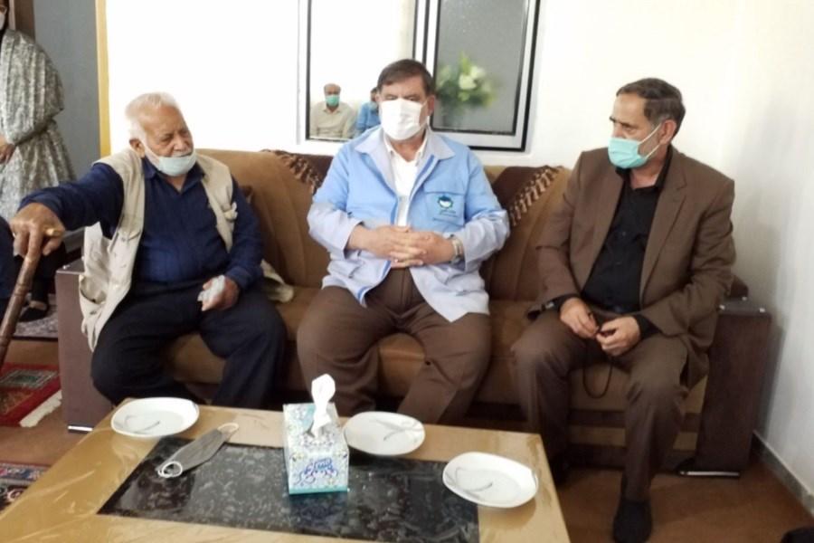 دیدار رئیس سازمان مدیریت بحران کشور با خانواده جانباخته در سیل شهرستان آوج