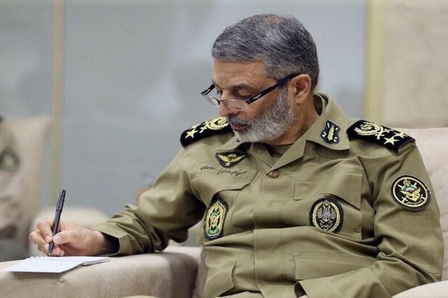 پیام تسلیت وزیر دفاع در پی در گذشت سرتیپ رضا رحیمی از فرماندهان و مدیران صنعت دفاعی
