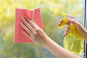 تصویر  کاربردهای شیشه پاک کن در خانه داری