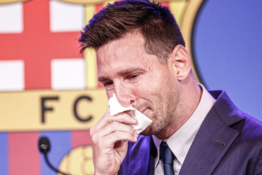 تصویر اشکهای مسی در مراسم وداع با بارسلونا +فیلم
