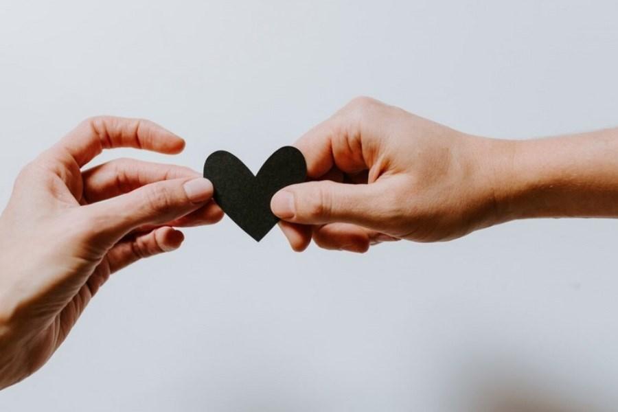 تصویر چگونه میتوانیم شخصی را عاشق خود کنیم؟