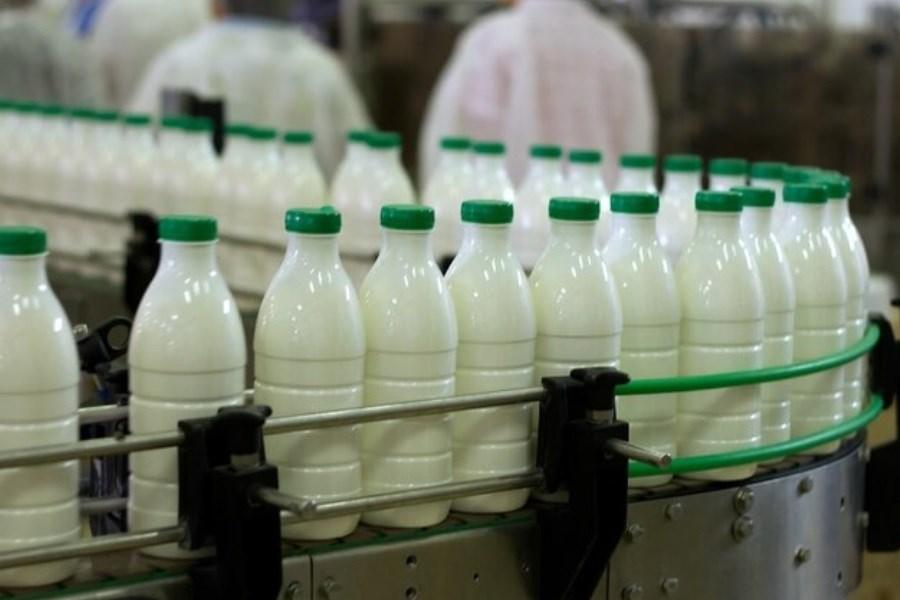 تصویر از مصرف شیر این شرکت خودداری کنید