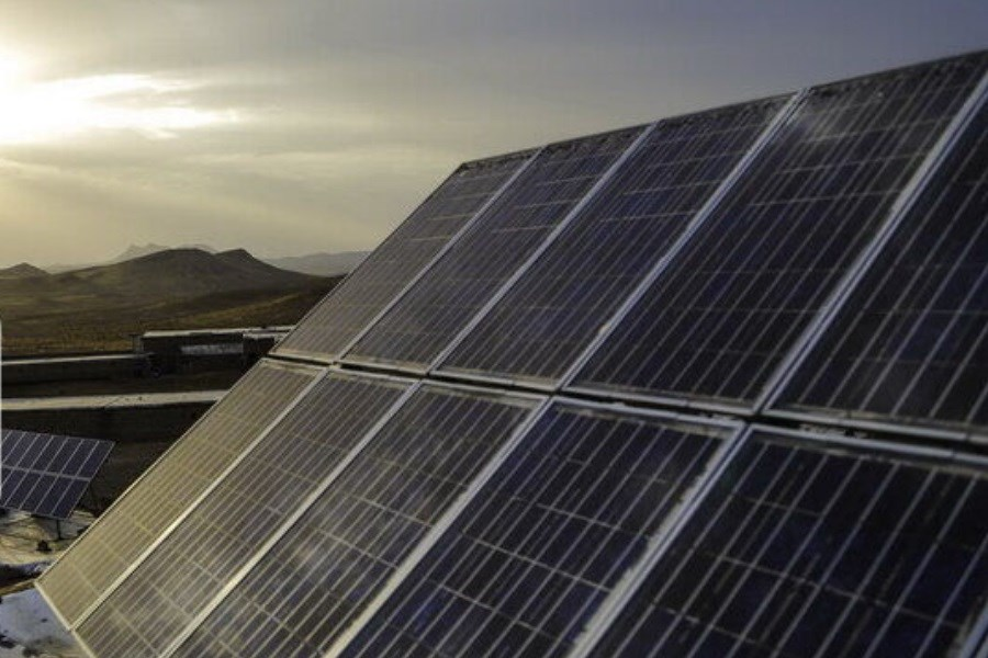 نیروگاههای خورشیدی استان سمنان ۲.۴ هزار کیلووات برق تولید میکنند