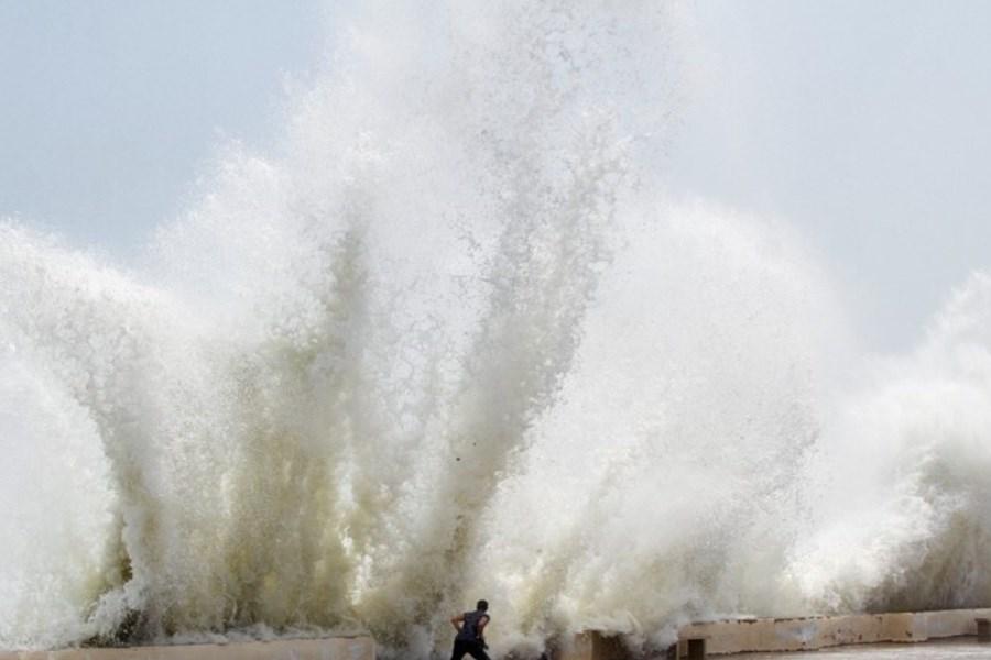 پسر 11 ساله پس از نجات دوستش در ساحل بندرعباس غرق شد