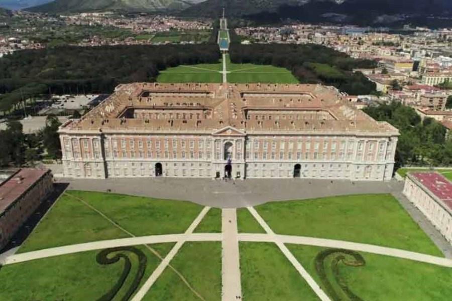 تصویر این ها دیدنی ترین کاخ های دنیا هستند