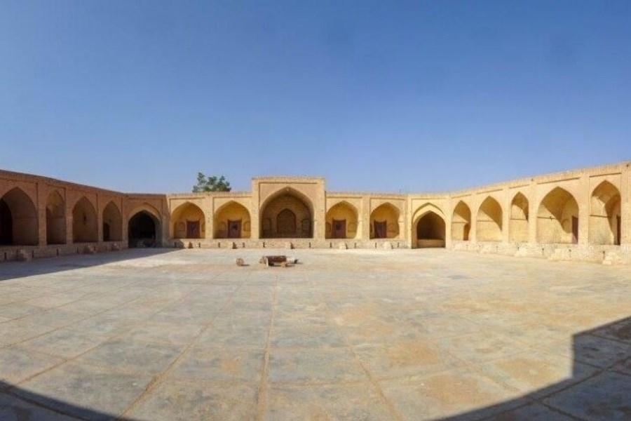بازدید نماینده وزارت میراث فرهنگی از کاروانسراهای اردکان یزد