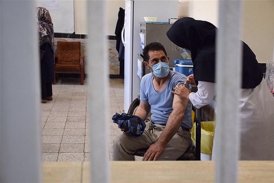روند واکسیناسیون کرونا در سطح شهر مشهد