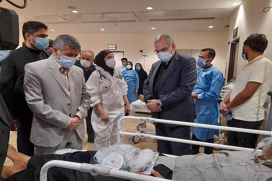 بازدید وزیر بهداشت از مرکز واکسیناسیون شقایق و بیمارستان امام خمینی ارومیه