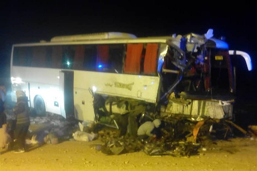 یک کشته و چهار مصدوم نتیجه برخورد اتوبوس و کامیون در خراسان جنوبی