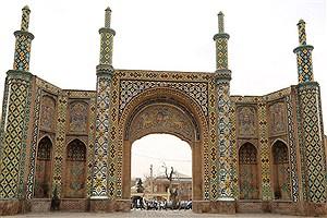 تصویر  تملک پلاک در حال ساخت حریم دروازه تاریخی درب کوشک قزوین