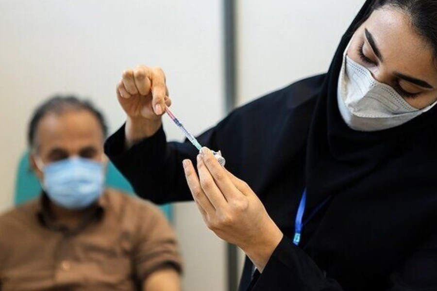 کاهش سن تزریق واکسن کرونا در قم به 37 سال